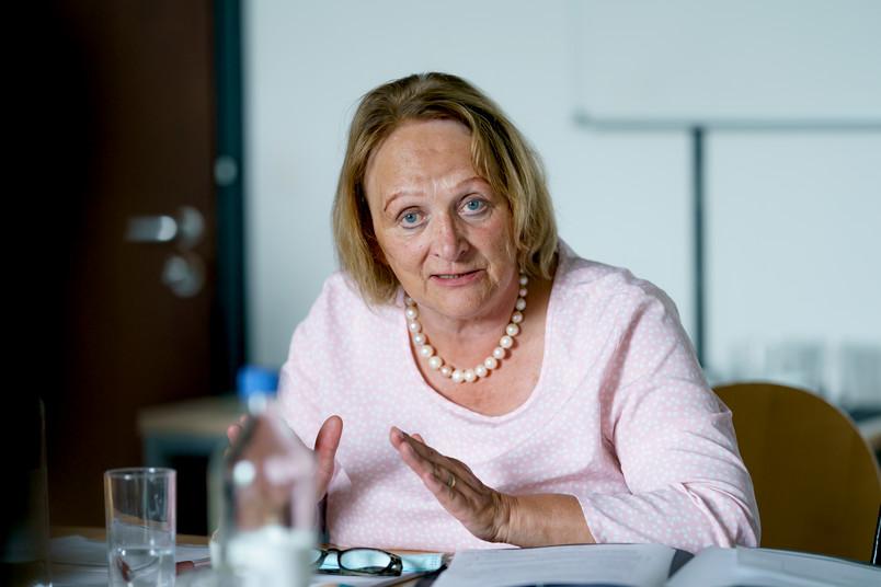 Die Antisemitismus-Beauftragte des Landes, Sabine Leutheusser-Schnarrenberger, hat sich an der RUB über den Stand des neues Projekts informiert.