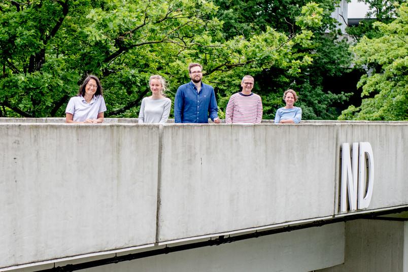 <div> Ein Teil des Forschungsteams: Melanie Mark, Johanna Pakusch, Jan Claudius Schwitalla, Stefan Herlitze und Ida Siveke</div>