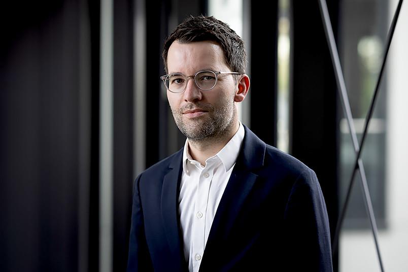 Prof. Simon Rothöhler im Porträt