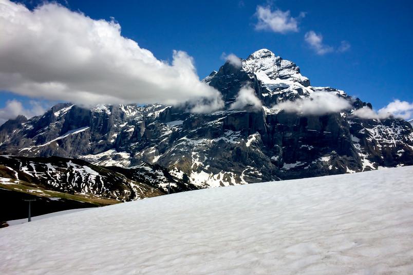 Schneebdeckte Berge