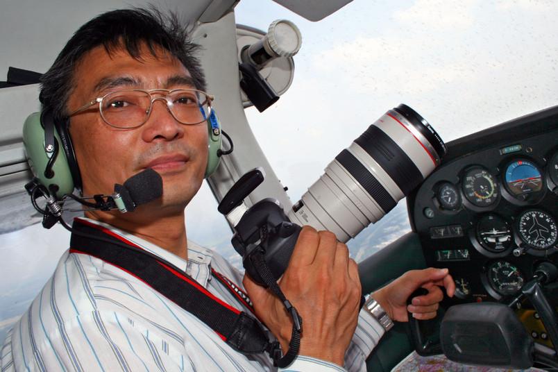 Baoquan Song sucht nach Spuren vergangener Kulturen - vom Hubschrauber aus.