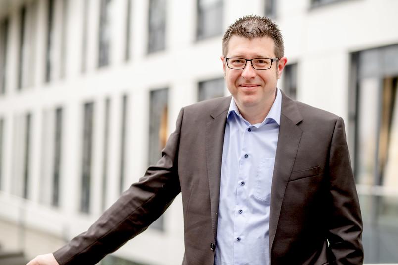Porträtfoto von Prof. Dr. Jon Albers