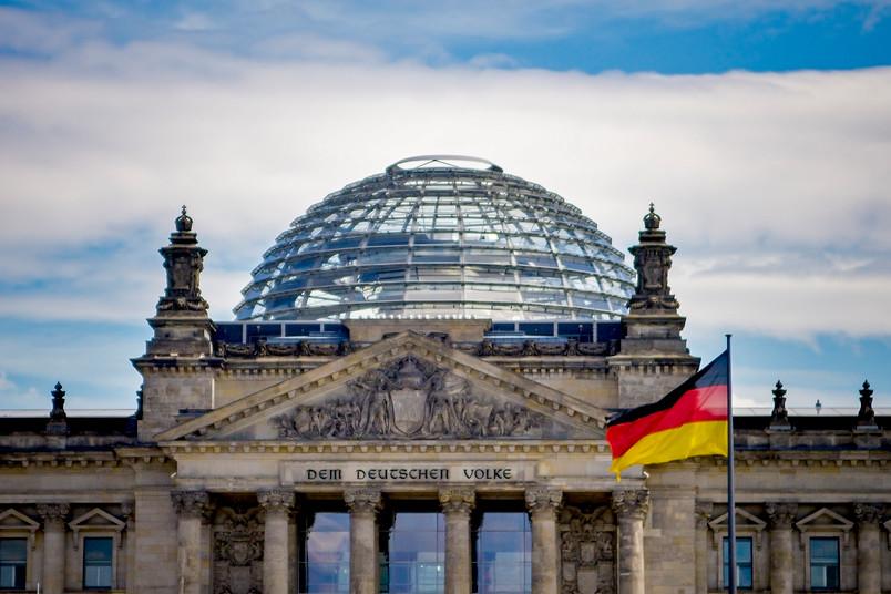 <div> Das Reichstagsgebäude in Berlin ist Sitz des Deutschen Bundestages.</div>