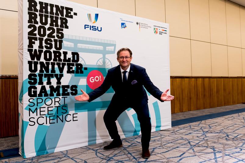 Jörg Förster, Vorstandsvorsitzender des Allgemeinen Deutschen Hochschulsportverbands, freut sich über die Vergabe der Spiele 2025 an die Region Rhein-Ruhr.