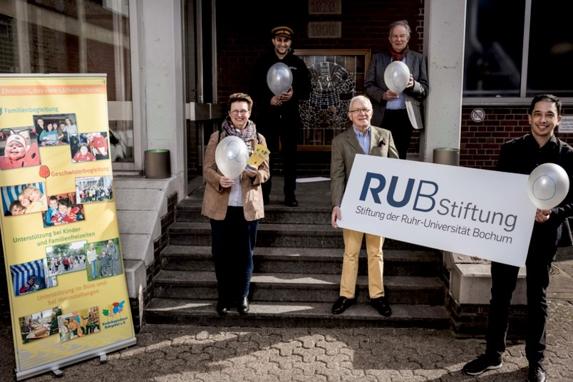 Birgit Schyboll, Vorsitzende Kinderhospizdienst Ruhrgebiet e.V., Christian Großmann, CEO Ingpuls GmbH, Hugo Fiege, Oliver Basu Malli