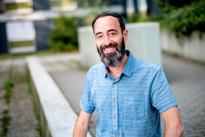 <div> Dr. Matthias Forell ist Wissenschaftlicher Mitarbeiter der Arbeitsgruppe Sch.U.L.forschung am Institut für Erziehungswissenschaft der RUB.</div>