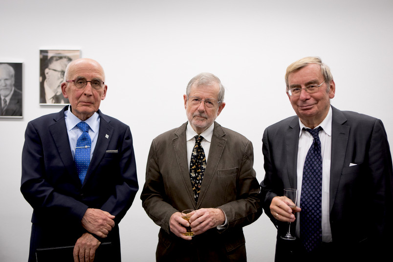 Gruppenbild mit Werner Lehfeldt, Hans Dieter Erlinger und Raimund Borgmeier (von links)