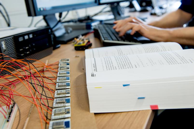 Berufliche Perspektiven gibt es für Geflüchtete beispielsweise in der IT-Branche.