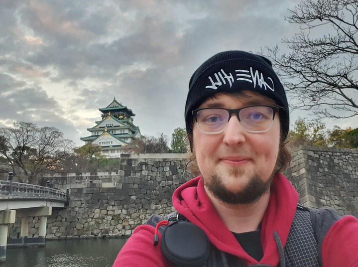 Jens Hömann vor Osaka Castle, Japan.