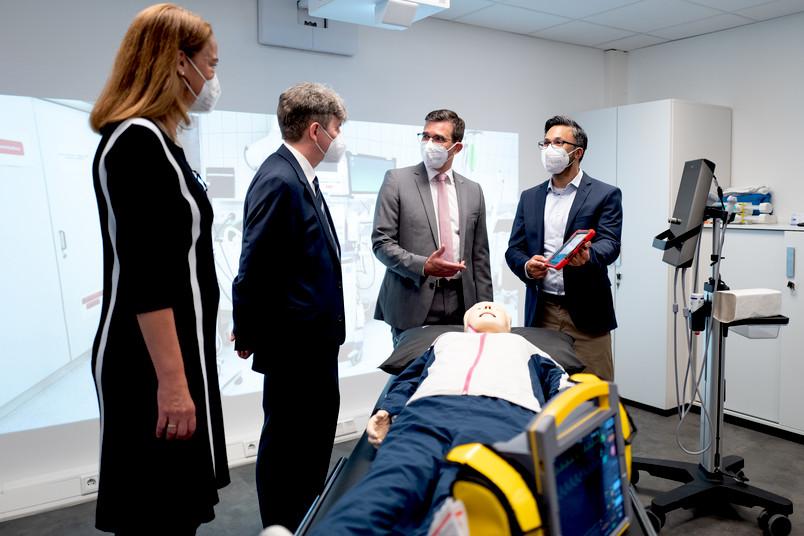 Simone Lauer, Prof Dr. Thorsten Schäfer, Prof. Dr. Ulrich Frey, Jilson Chittamadathil