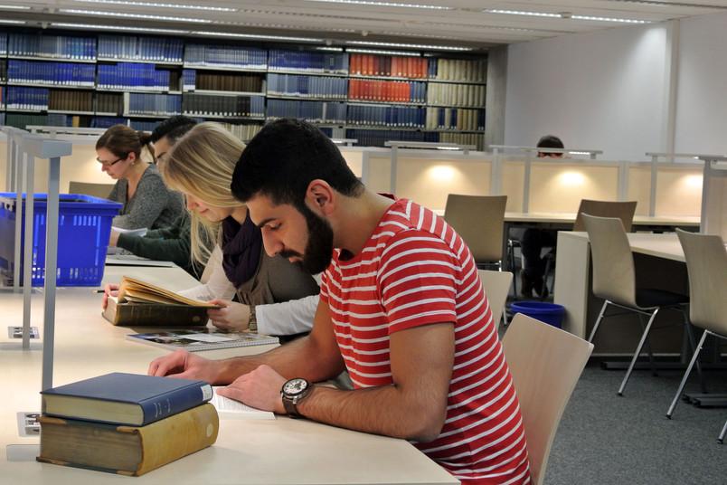 Im neuen Lesesaal stehen 108 Arbeitsplätze zur Verfügung.