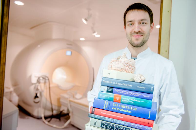 Medizinstudent mit Büchern