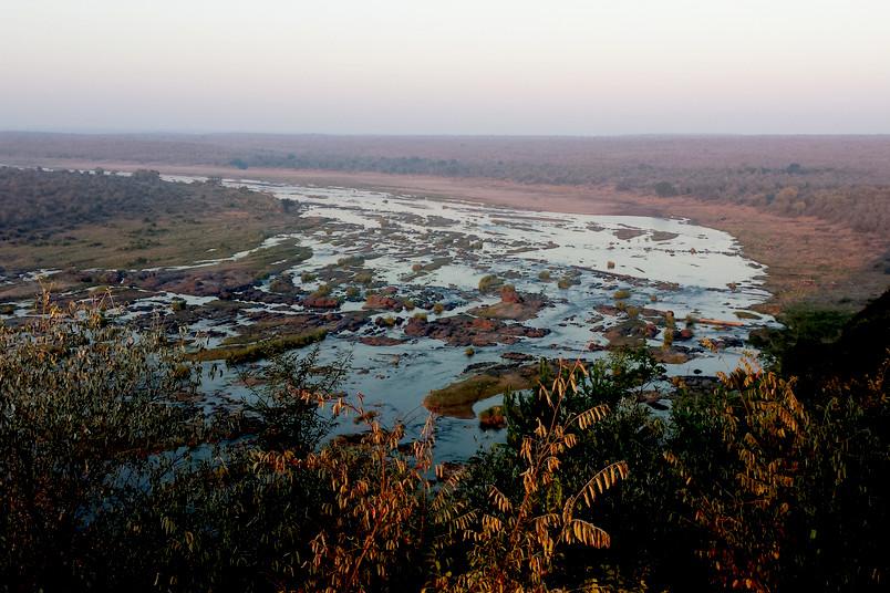 <div> Der Olifant River durchfließt den Krüger-Nationalpark.</div>