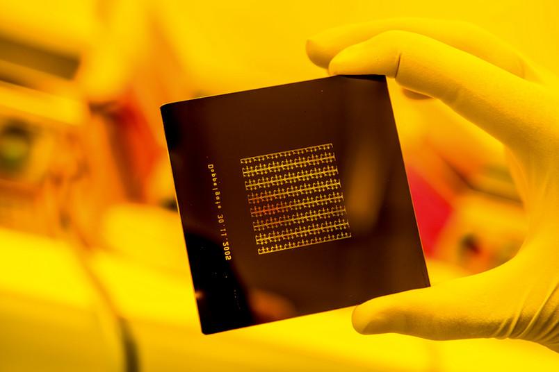 Strukturen auf dem Chip vorzeichnen: Maske für die UV-Lithografie