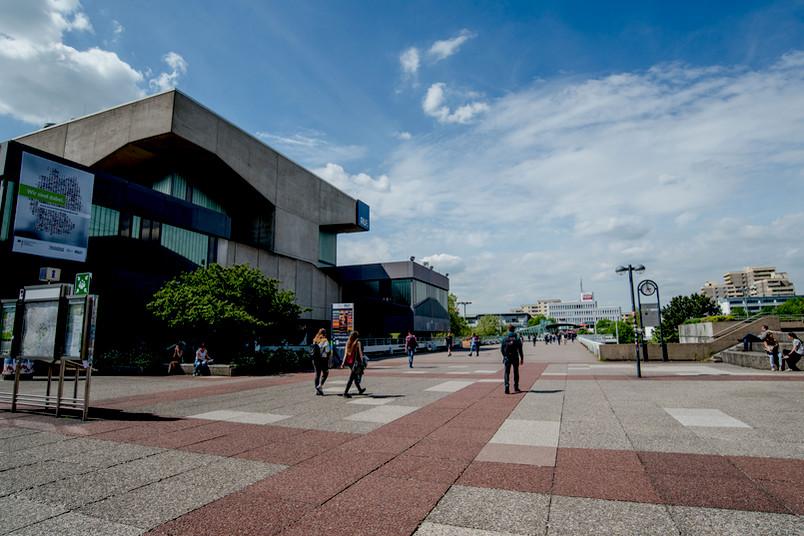 Unibrücke und Musisches Zentrum in Bochum
