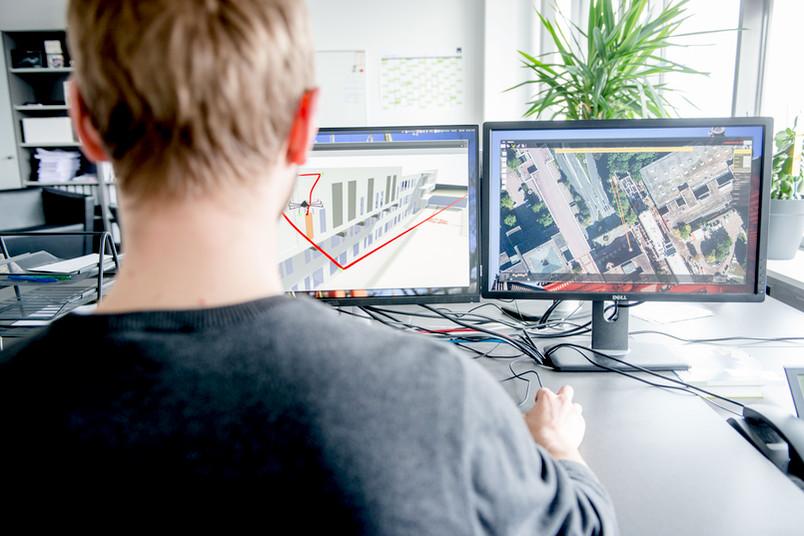 Monitor mit Gebäudemodellen