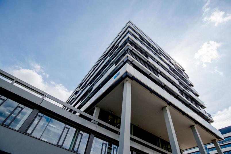 Das Gebäude IC auf dem Campus der Ruhr-Universität, Ansicht von der I-Nordstraße