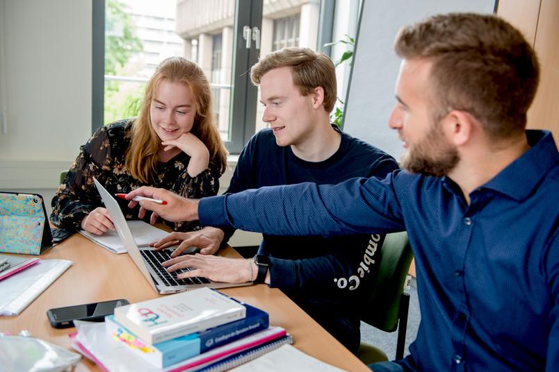 <div> Von der Idee zum Unternehmen – das Ruhrgebiet soll Hotspot für Gründerinnen und Gründer werden.</div>