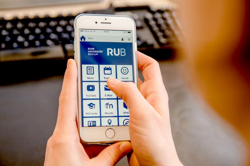 Handy mit RUB-App