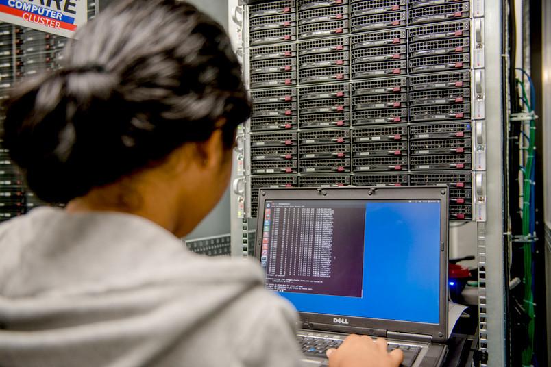Großrechner für Materialsimulation am Bochumer Institut