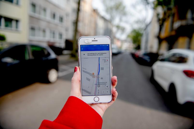 Handy im Navigationsmodus