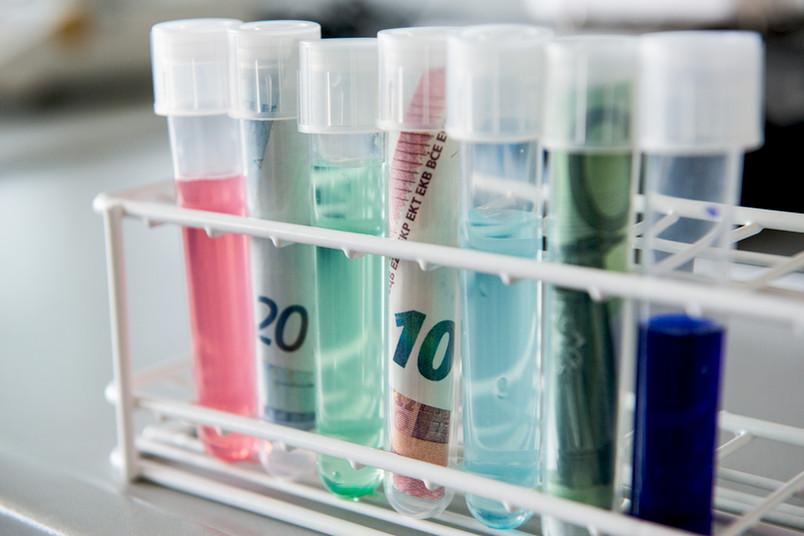 Nicht nur in den chemischen Laboren wird mit den Mitteln aus den Starting Grants geforscht werden, sondern auch in den Ostasienwissenschaften und der Philologie.