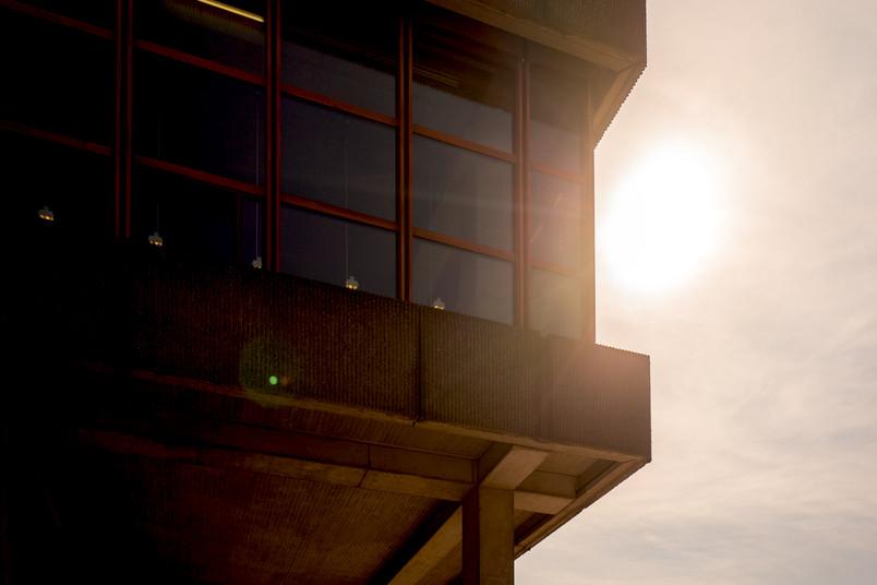 Sonne hinter Unibibliothek