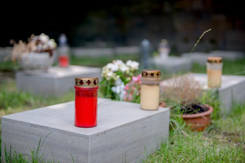 Symbolfoto für Trauer: Gräberfeld der Körperspender für die RUB-Medizin