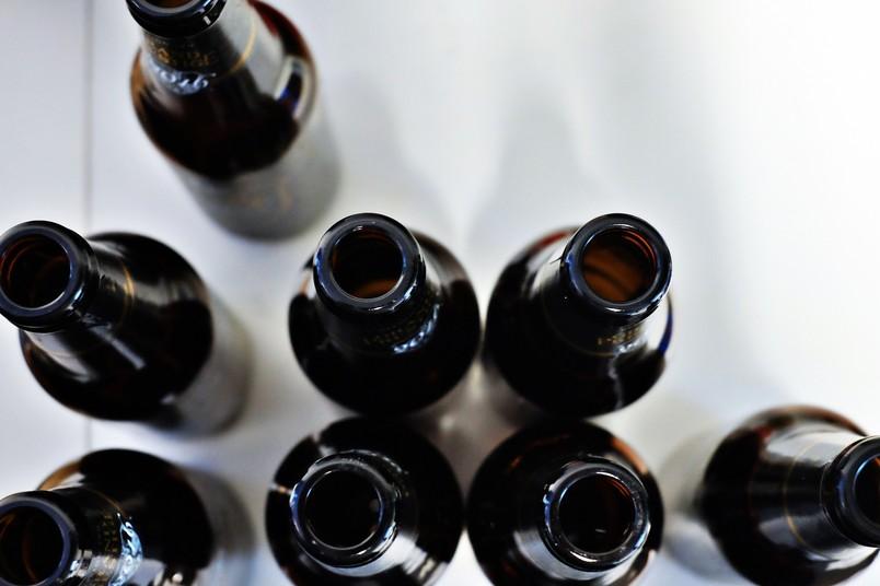 Bierflaschen von oben