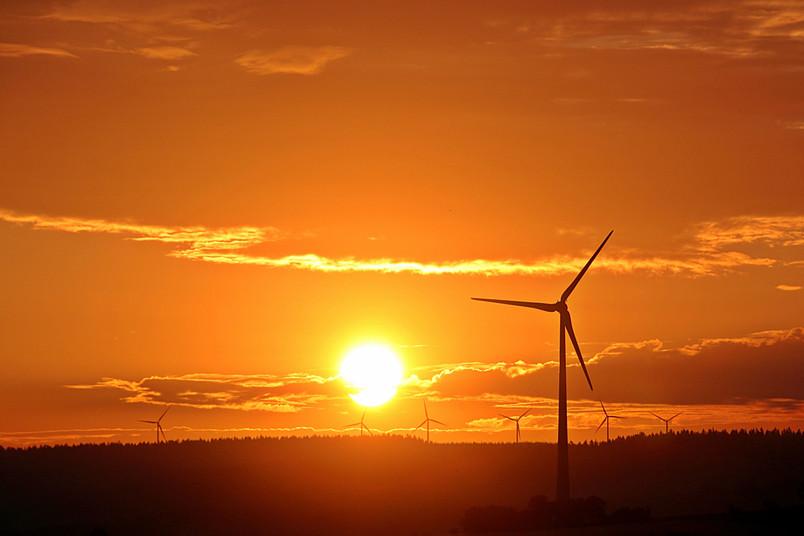 Um Wind- oder Solarenergie zu speichern, braucht es entsprechende Batterien.