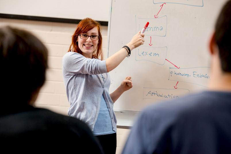 Willkommen an der RUB: Studieninteressierte Flüchtlinge bekommen einen Einblick in den Alltag der Hochschule.